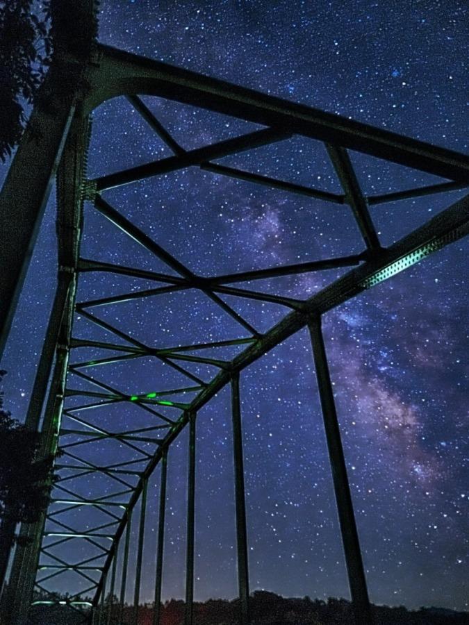 宇宙に架かる橋